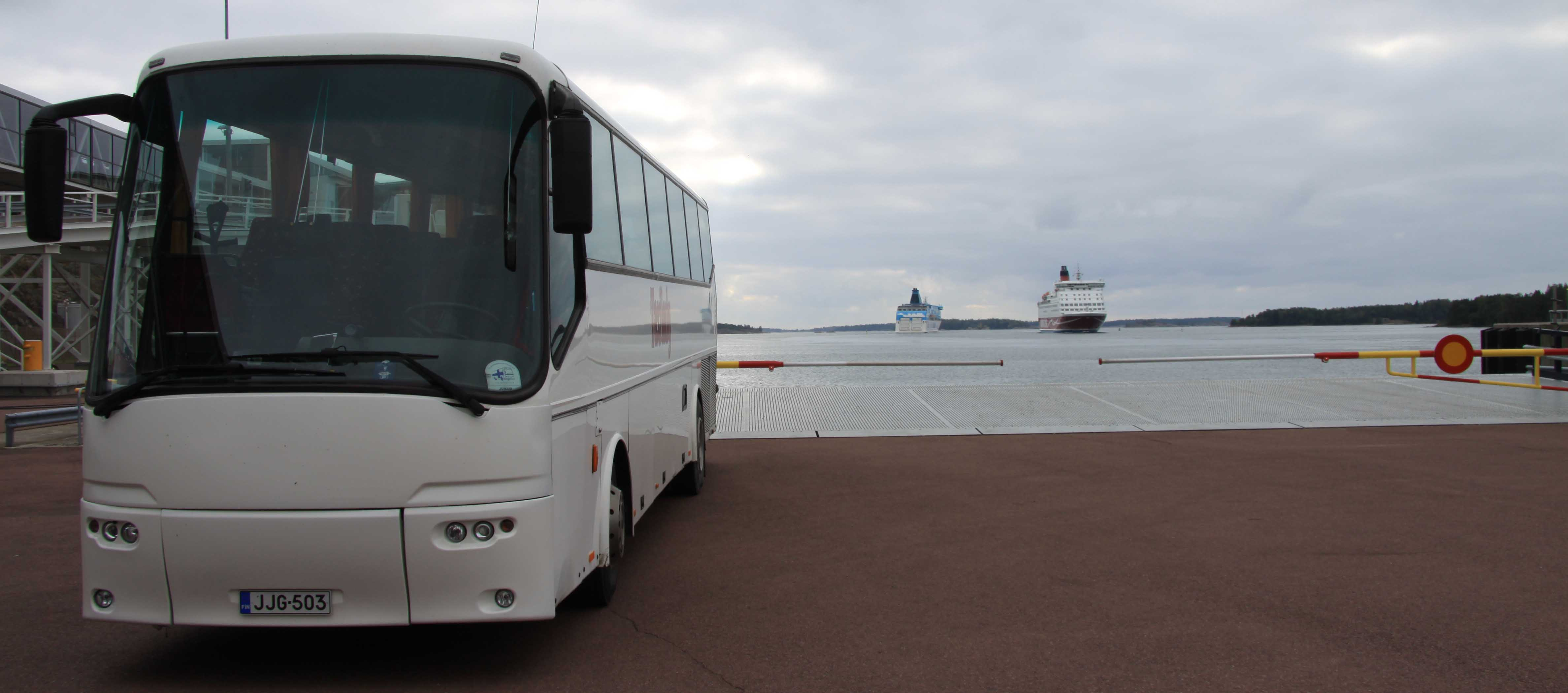 Bussilla Helsingin Satamaan